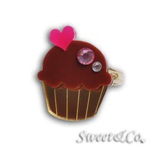 Sweet & Co. - Mini Chocolate Cupcake Crystal Gold Ring (S)