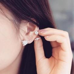 Ticoo - Rhinestone Arrow Single Earring
