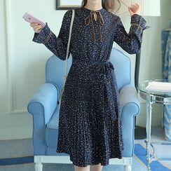 Queen Bee - Velvet Bow Long-Sleeve Chiffon Dress