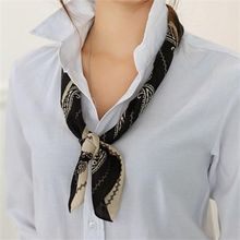 CHICFOX - Paisley Square Light Scarf