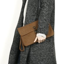 Rememberclick - Wool Clutch
