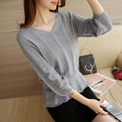 Bubbleknot - Set: 3/4-Sleeve Knit Pullover + Skirt