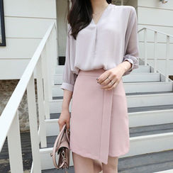 Hello sweety - V-Neck Balloon-Sleeve Chiffon Blouse