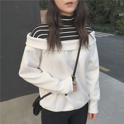 Dute - Striped Panel Turtleneck Pullover