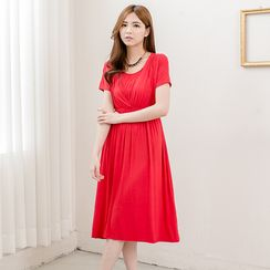 Mother Bear - Maternity Short-Sleeve Nursing Midi Dress