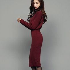 chuu - Slim-Fit Colored Knit Dress