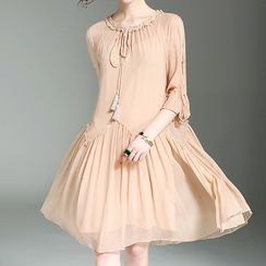Alaroo - Tasseled 3/4 Sleeve Dress