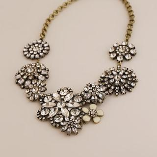 Love Generation - Rhinestone Flower Statement Necklace
