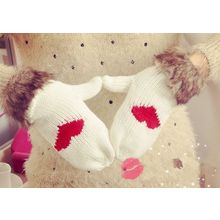 Azuki - Faux Fur Trim Heart Gloves