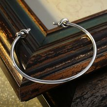 Kitty Kiss - 925 Sterling Silver Knot Bangle