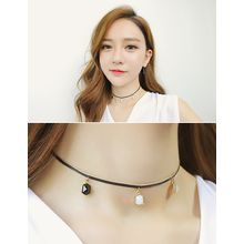 soo n soo - Rhinestone Faux-Leather Choker