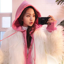 chuu - Hook-and-Eye Faux-Fur Jacket