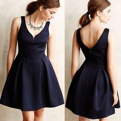 Fundae - V-Neck Cocktail Dress