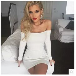 Fundae - Off-Shoulder Bodycon Dress