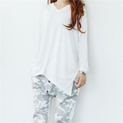 GLAM12 - Long-Sleeve V-Neck Asymmetric-Hem T-Shirt