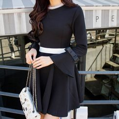 Queen Bee - Contrast Long-Sleeve Dress